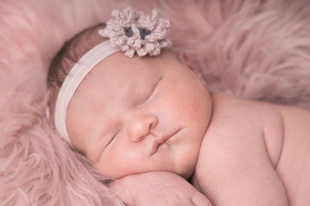 Baby fotografering - baby fotograf - newborn, nyfødt og gravid fotografering Fyn, Odense, Svendborg, Middelfart, Nyborg, Ringe